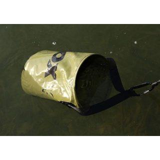 Fox - Collapsible Water Bucket - inc. Drop Cord & Clip